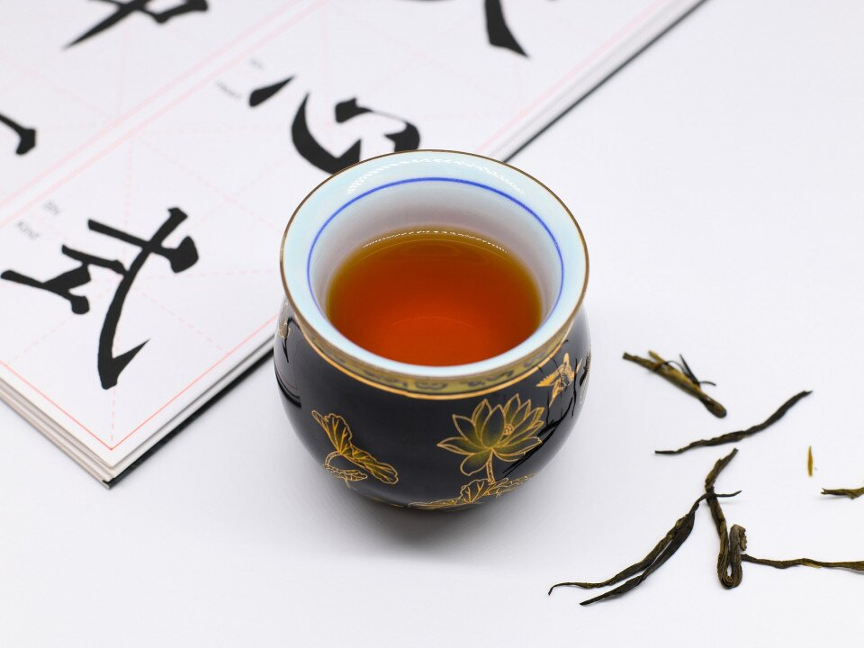 Discovering Molecular Mechanisms for Cholesterol- and Lipid-lowering Effects of Pu-erh Tea